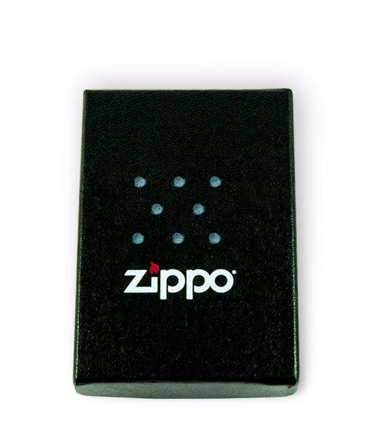 Pohled na krabičku zapalovače Zippo Original